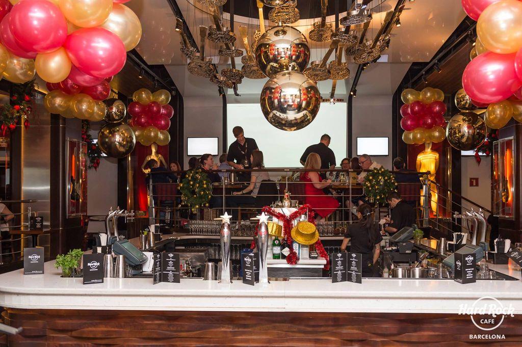 Nuestras decoraciones en hard rock caf fiestas infantiles vilanova bodas despedidas costa dorada - Decoraciones de bares ...